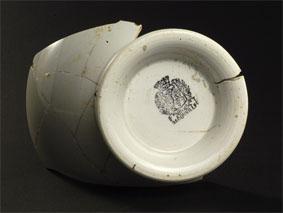 Porcelaine française trouvée lors des fouilles